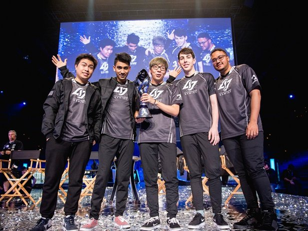 Die LCS NA Spring-Season Gewinner von Counter Logic Gaming Bildrechte: © Riot Games