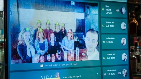 Schnellere Drinks dank KI - Erste Bar mit künstlicher Intelligenz
